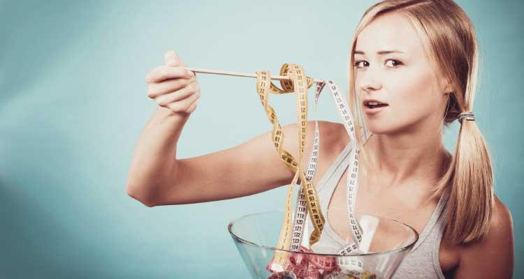 ¿cuántas calorías necesita una mujer de 30 años?