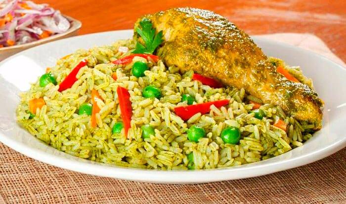 vitaminas y proteinas del arroz con pollo